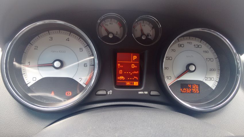 Peugeot 408 Feline 2.0 16V (aut)(Flex) - Foto #4