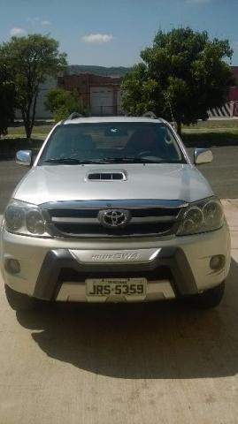 Toyota Hilux SW4 3.0 TDI 4x4 SRV 7L Auto - Foto #2