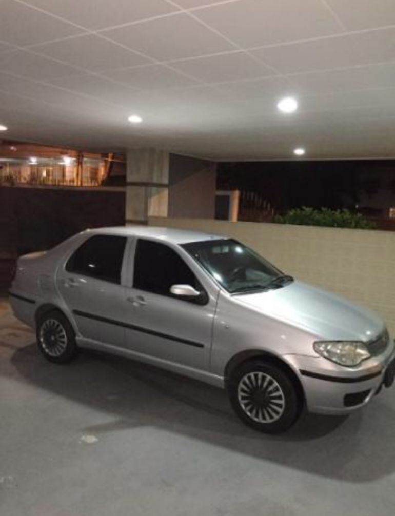 Fiat Siena HLX 1.8 8V (Flex) - Foto #3