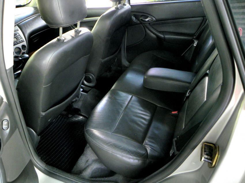 Ford Focus Sedan Ghia 2.0 16V (Aut) - Foto #1