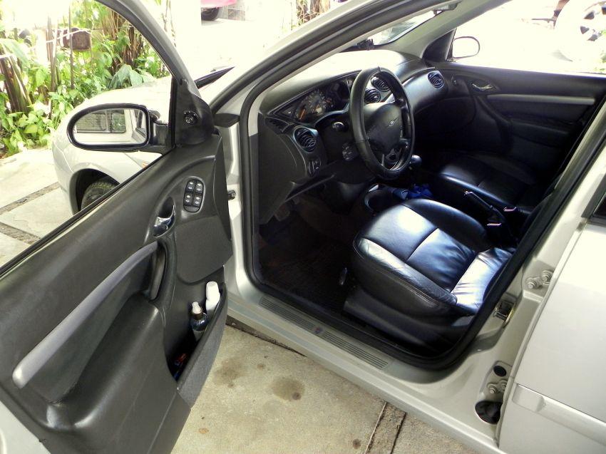 Ford Focus Sedan Ghia 2.0 16V (Aut) - Foto #2