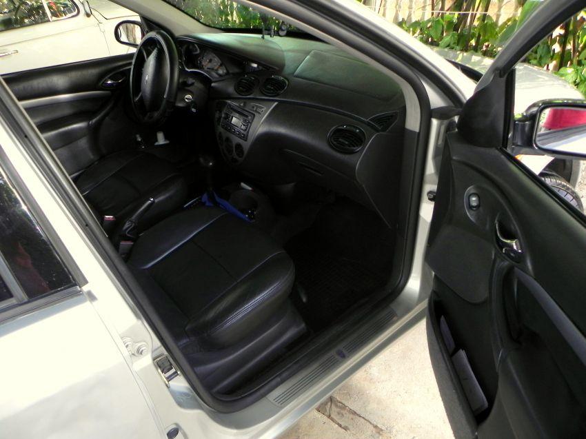 Ford Focus Sedan Ghia 2.0 16V (Aut) - Foto #5