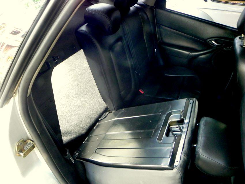 Ford Focus Sedan Ghia 2.0 16V (Aut) - Foto #9
