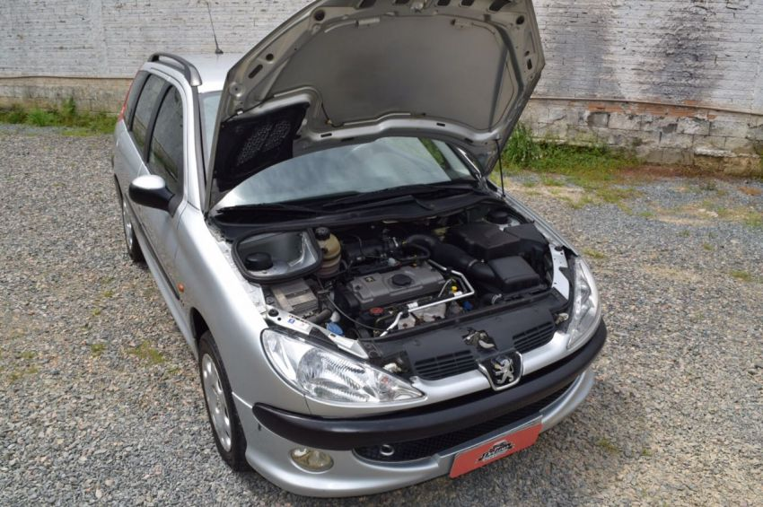 Peugeot 206 SW Presence 1.4 - Foto #6