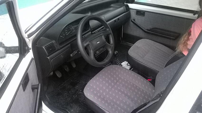 Fiat Uno Mille ELX 1.0 4p - Foto #6