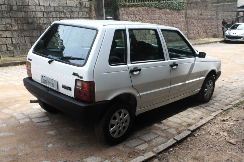 Fiat Uno Mille ELX 1.0 4p - Foto #8
