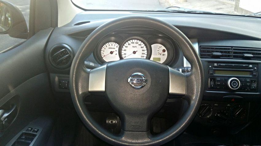 Nissan Livina S 1.6 16V (flex) - Foto #10