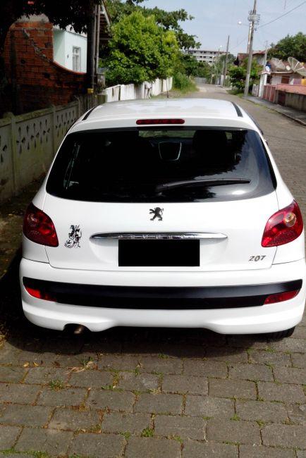Peugeot 207 Hatch XR 1.4 8V (flex) 4p - Foto #4