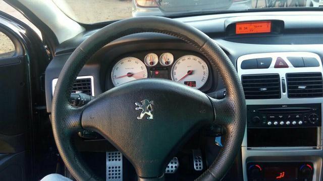 Peugeot 307 Hatch. Feline 2.0 16V (flex) (aut) - Foto #2