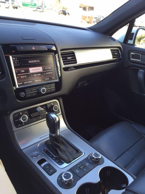 Volkswagen Touareg 4.2 V8 FSI R-Line 4WD - Foto #1