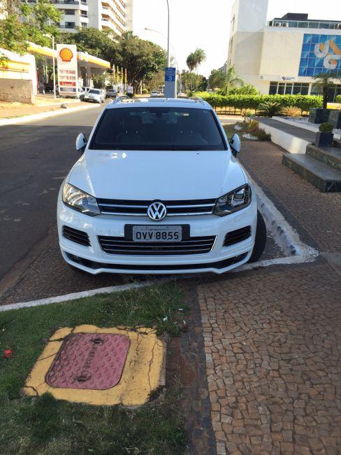 Volkswagen Touareg 4.2 V8 FSI R-Line 4WD - Foto #4