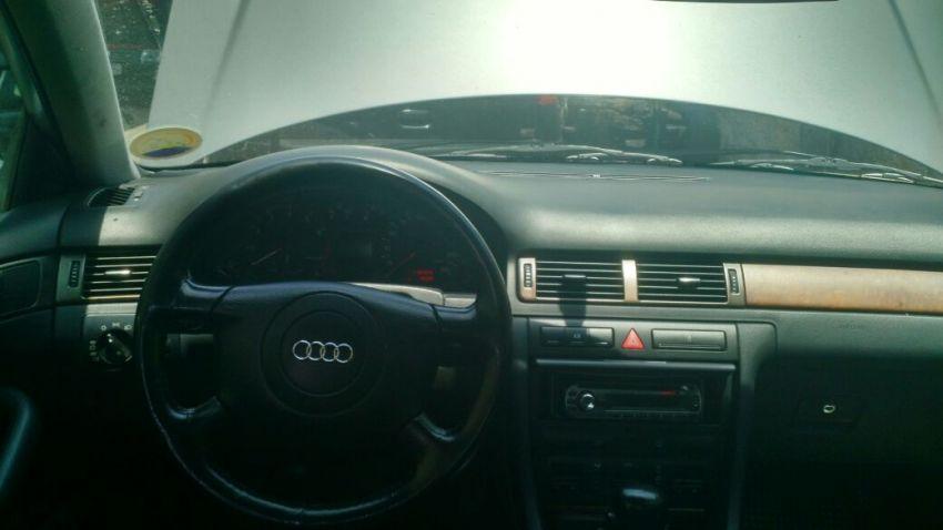 Audi A6 2.8 V6 30V (tiptronic) - Foto #1
