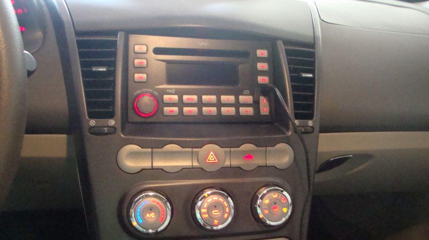 Chery Cielo Hatch 1.6 16V - Foto #5