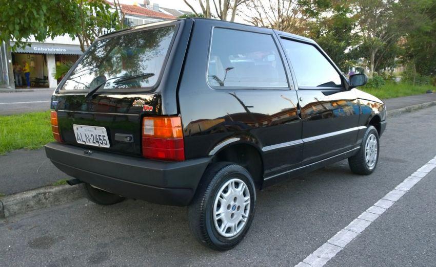 Fiat Uno Attractive 1.0 (Flex) 4p - Foto #4