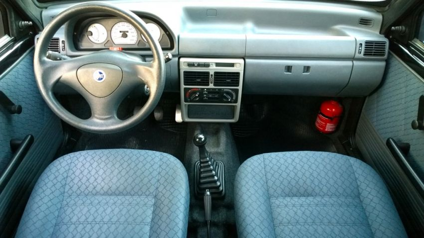 Fiat Uno Attractive 1.0 (Flex) 4p - Foto #7