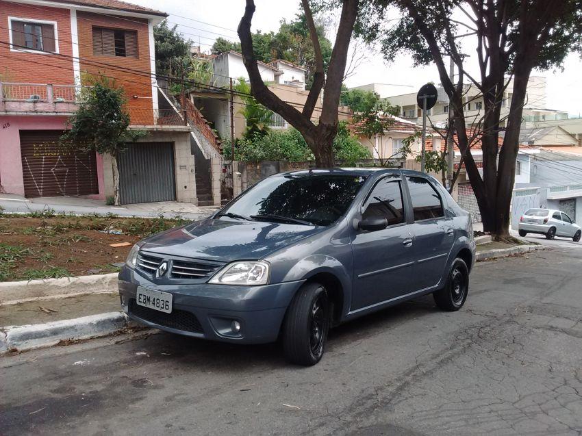 Renault Logan Privilège 1.6 16V (flex) - Foto #2