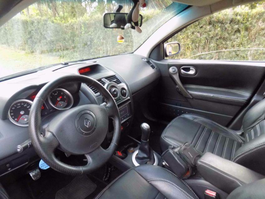 Renault Mégane Grand Tour Extreme 1.6 16V (flex) - Foto #2