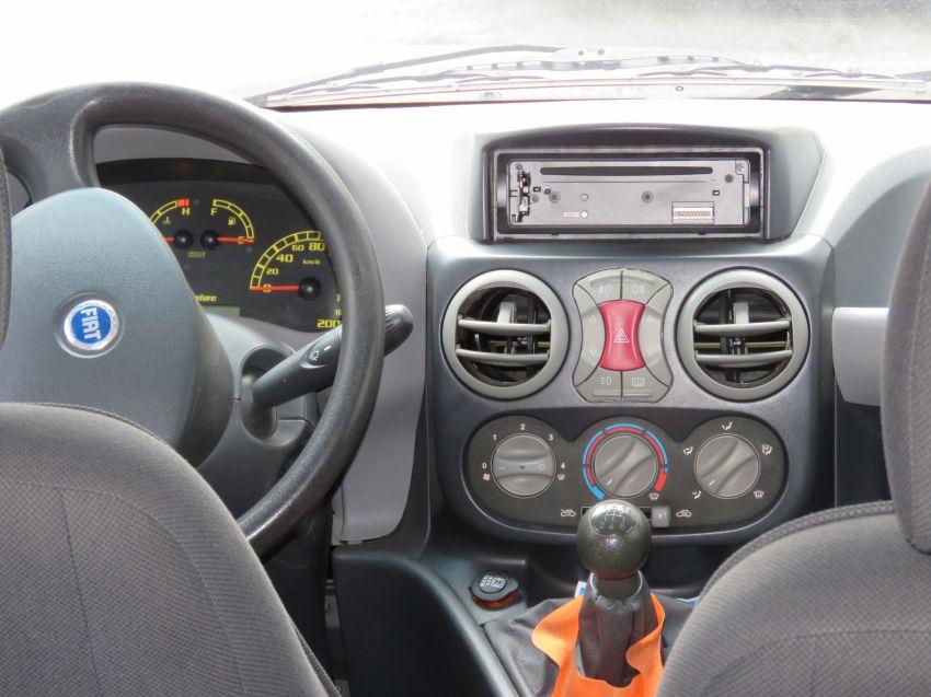 Fiat Doblò Adventure 1.8 8V - Foto #4