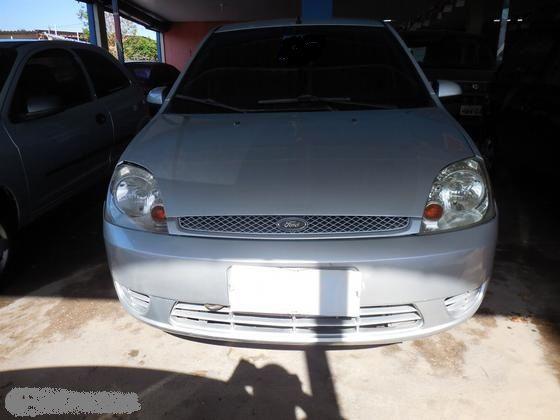 Ford Fiesta Hatch Personnalité 1.0 8V - Foto #3