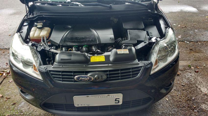 Ford Focus Hatch Ghia 2.0 16V Duratec - Foto #8