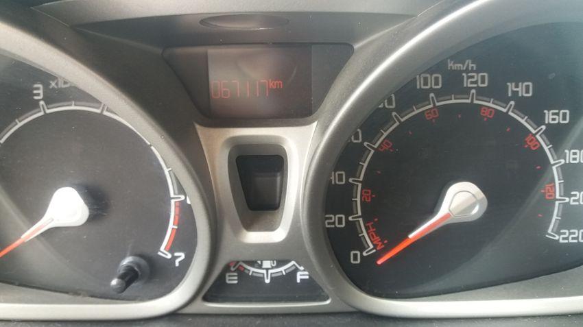 Ford New Fiesta Sedan 1.6 SE - Foto #2