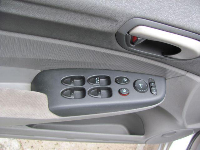 Honda Civic LXS 1.8 16V Flex - Foto #9