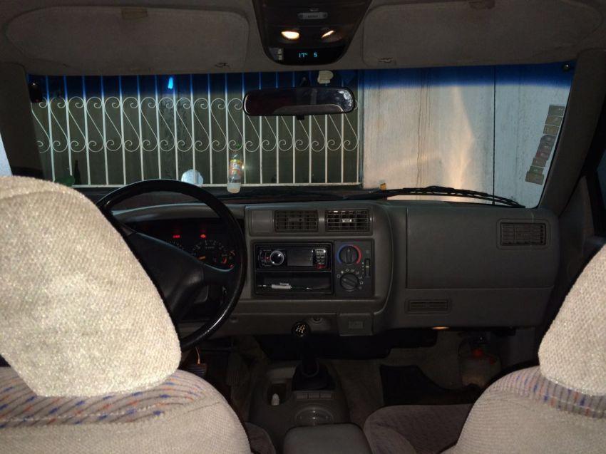 Chevrolet Blazer 4x2 2.2 EFi - Foto #5