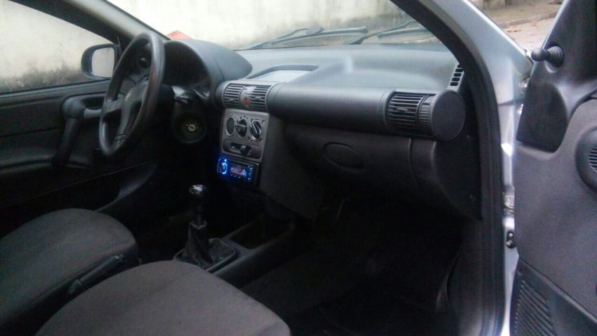 Chevrolet Corsa Sedan Classic 1.0 VHC 8V - Foto #4