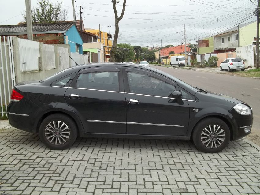 Fiat Linea LX 1.9 16V Dualogic (Flex) (Aut) - Foto #3