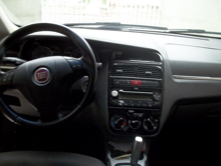 Fiat Linea LX 1.9 16V Dualogic (Flex) (Aut) - Foto #10