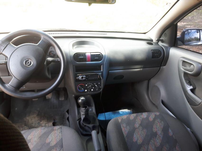 Chevrolet Corsa Sedan Joy 1.0 - Foto #4