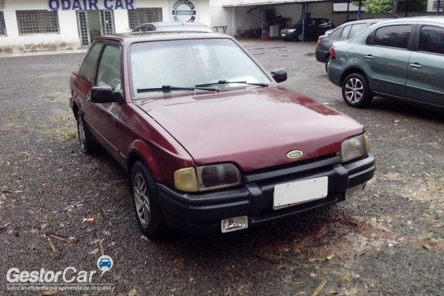 Ford Escort Hatch XR3 1.6 - Foto #2