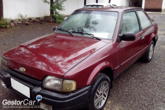 Ford Escort Hatch XR3 1.6 - Foto #3