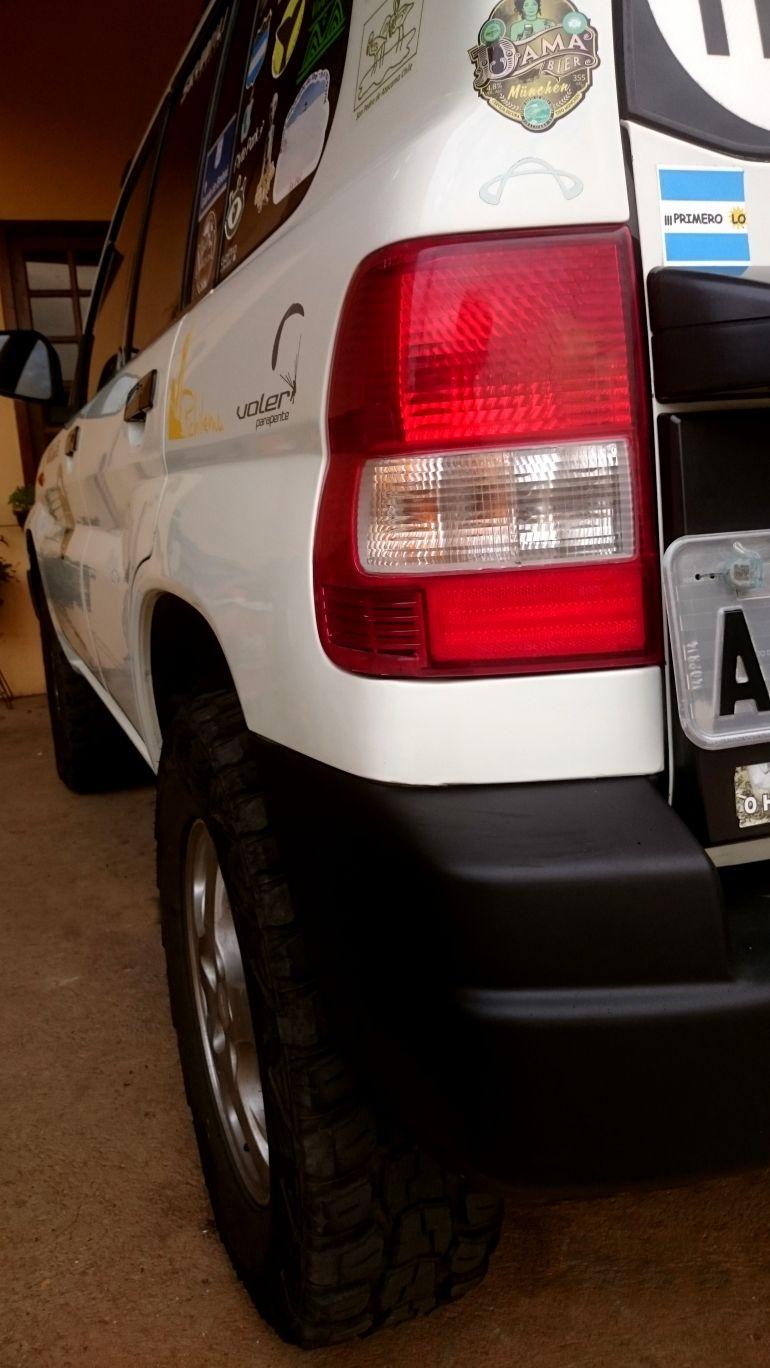 Mitsubishi Pajero Io 4x4 1.8 16V - Foto #6