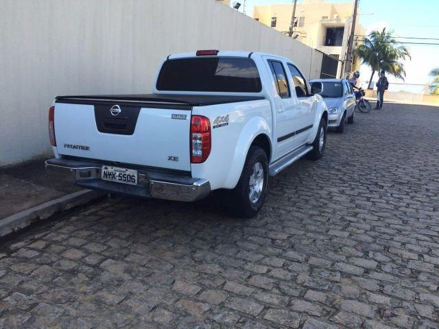 Nissan Frontier XE 4x4 2.5 16V (cab. dupla) - Foto #5