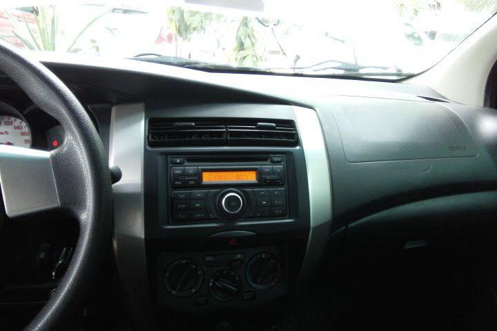 Nissan Livina 1.8 16V (flex) (aut) - Foto #6