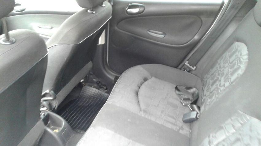 Peugeot 207 SW XR S 1.4 8V (flex) - Foto #2