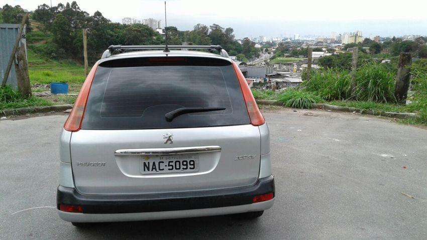 Peugeot 207 SW XR S 1.4 8V (flex) - Foto #6