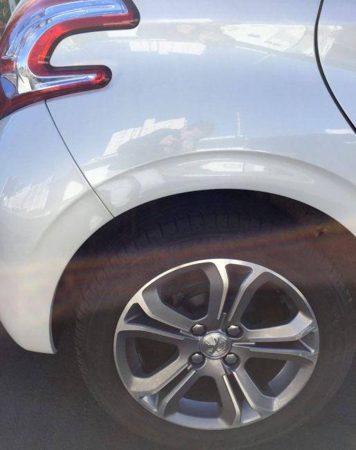 Peugeot 208 1.6 16V Griffe (Flex) - Foto #6