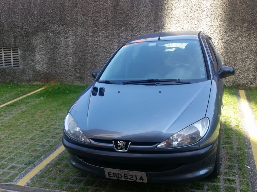 Peugeot 206 Hatch. Sensation 1.4 8V (flex) - Foto #1