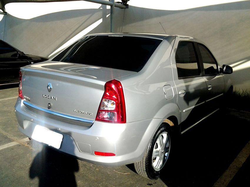 Renault Logan Expression 1.6 16V (Flex) (aut) - Foto #2