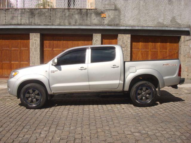 Toyota Hilux STD 4x4 2.5 (cab. dupla) - Foto #1