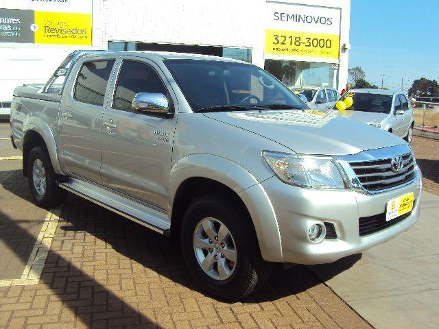 Toyota Hilux 2.7 Flex 4x4 CD SRV Auto - Foto #1