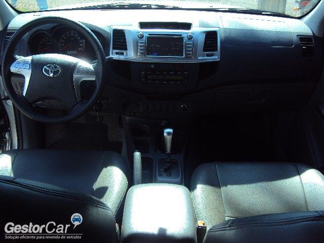 Toyota Hilux 2.7 Flex 4x4 CD SRV Auto - Foto #7