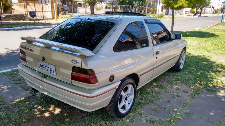 Ford Escort Hatch XR3 2.0 i - Foto #3