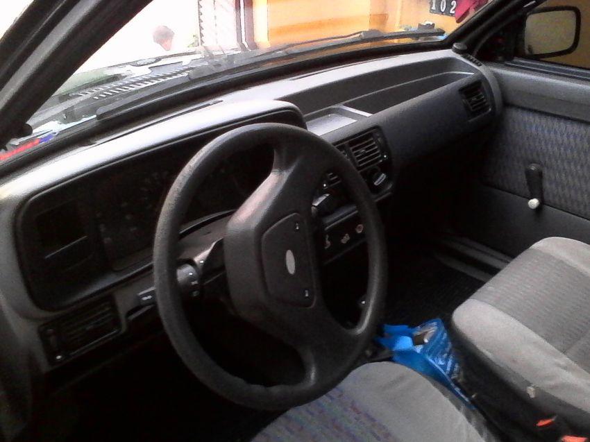 Ford Escort Hatch Hobby 1.0 - Foto #6