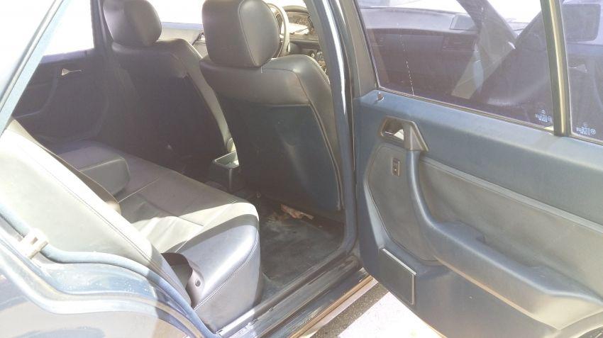 Mercedes-Benz 230 E 2.3 - Foto #10