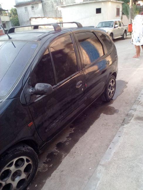 Renault Scénic RT 2.0 16V (aut) - Foto #2