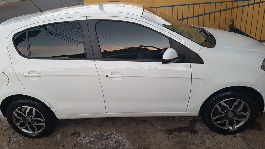 Fiat Palio Essence 1.6 16V E.torQ - Foto #5