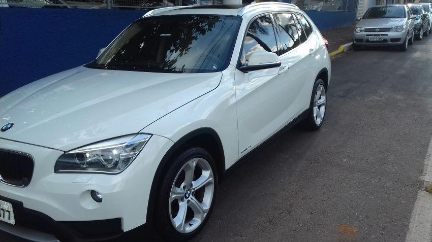 BMW X1 2.0i 4x4 XDrive28i (aut) - Foto #1
